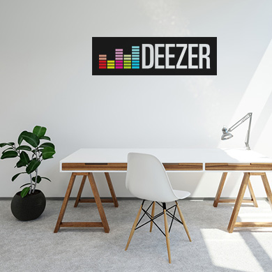 Autocollant vinyle grand format blanc monomère en situation sur mur
