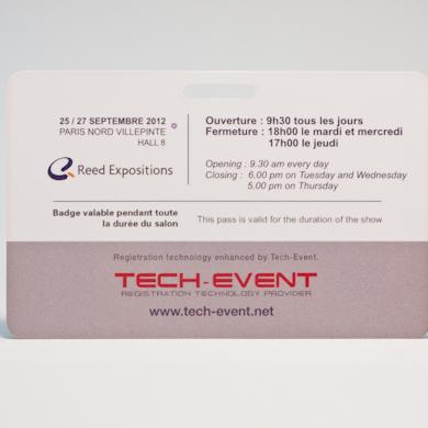 Carte PVC classique - perforation oblongue